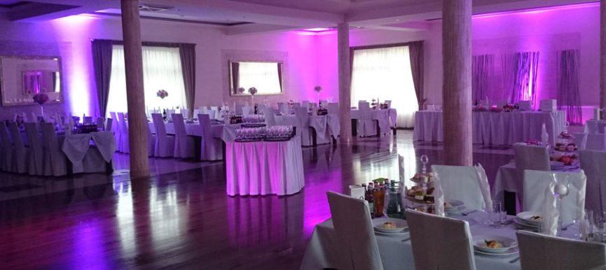 Oświetlenie weselne - dekorowanie światłem